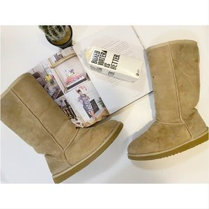 Classic tall tan ugg boots size 7/7.5
